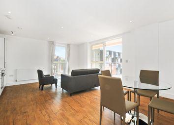 Thumbnail 2 bed flat to rent in Gunmakers Lane, London