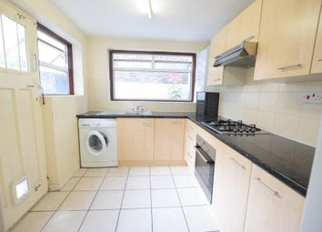 Thumbnail 2 bedroom flat to rent in Stockwell Green, London