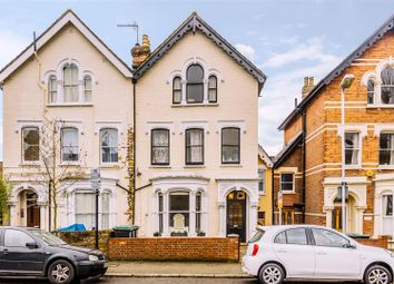Oakfield Road, London N4. 1 bed flat for sale