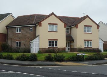 Thumbnail 2 bed flat to rent in Deer Way, Horsham