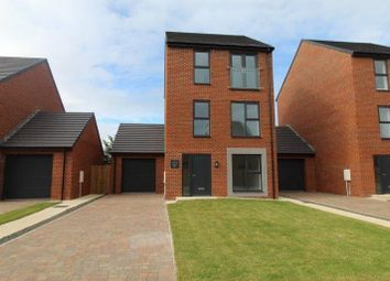 Thumbnail 4 bed detached house for sale in Meadow View, Blyth