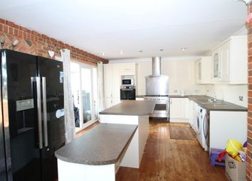 5 bed semi-detached house to rent in York Road, South Croydon CR2