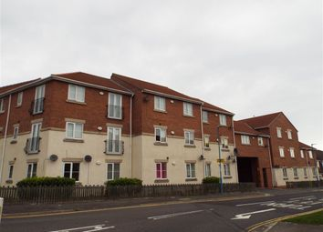 Thumbnail 2 bed flat to rent in Queens Court, Warren Road