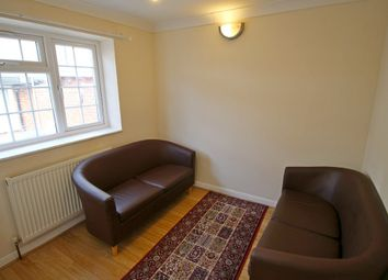 1 bed flat to rent in Rosemary Avenue, Hounslow TW4