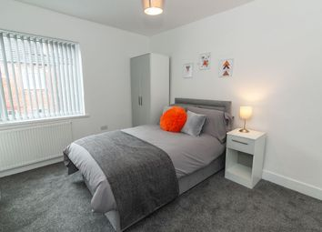 Thumbnail Room to rent in Room 5, 26 Ambler Street, Castleford