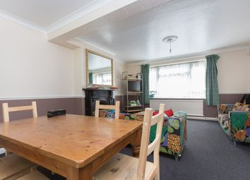Thumbnail 5 bed town house to rent in Hartham Close, Hartham Road, London