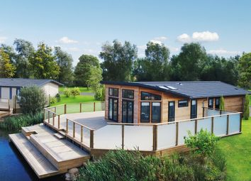Thumbnail 2 bed mobile/park home for sale in Padstow Park, Padstow, Cornwall