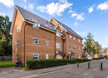 Thumbnail 2 bedroom flat for sale in Hayes Grove, London