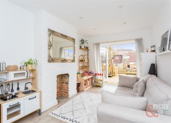 2 bed property for sale in Carden Crescent, Brighton BN1