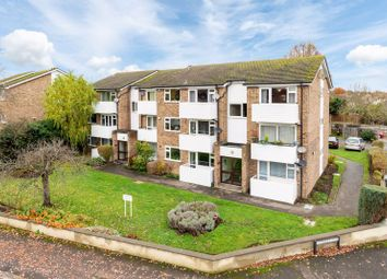 1 bed flat to rent in Queens Road, Hersham, Walton-On-Thames KT12