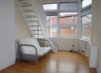 Thumbnail Studio to rent in Woodside Grove, Finchley