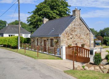 Thumbnail 2 bed cottage for sale in 56320 Lanvénégen, France