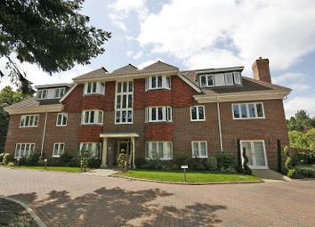 Thumbnail 2 bed flat to rent in Sheerwater Rd, West Byfleet