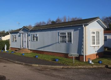 Thumbnail 1 bedroom mobile/park home for sale in Fourteenth Avenue, Holly Lodge, Lower Kingswood, Tadworth