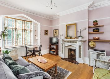 Thumbnail 1 bed flat for sale in Holmesdale Road, Reigate