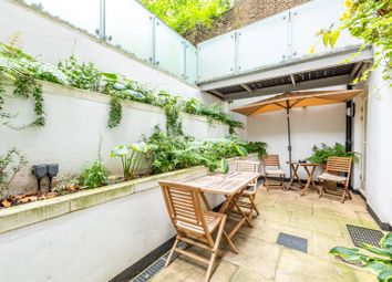 Earls Court Square, Earls Court, London SW5. 2 bed flat