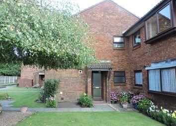 2 bed flat to rent in Prunus Close, Ferndown BH22