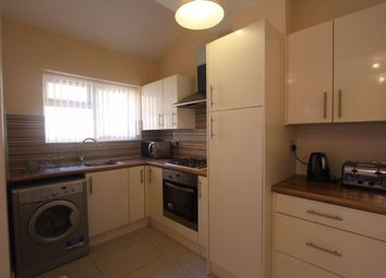Thumbnail 4 bed flat to rent in Abingdon Road, Leicester