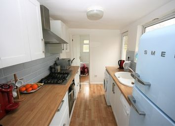 Thumbnail 2 bedroom property to rent in Blenheim Gardens, Reading