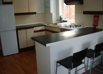 Thumbnail 2 bed flat to rent in Frobisher Road, Manor House / Turnpike Lane