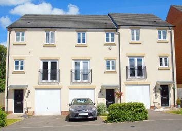 Thumbnail 3 bed town house for sale in Dixon Close, Enfield, Redditch