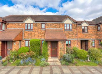 Thumbnail 2 bed flat for sale in Belmont Hill, St.Albans