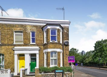 2 bed maisonette for sale in Lind Street, London SE8