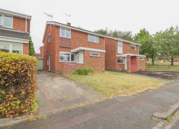 Thumbnail 4 bed detached house for sale in Roslyn Way, Dunstable