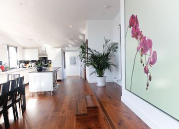 Thumbnail 3 bed flat to rent in Penthouse, Coleman Fields, Islington