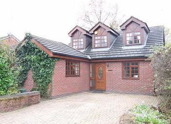 Thumbnail 3 bed detached house to rent in Upcast Lane, Wilmslow, Cheshire
