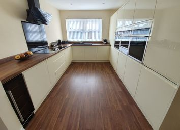 Thumbnail 2 bed flat for sale in James Reckitt Avenue, Hull