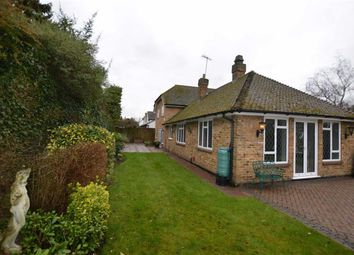 Thumbnail 4 bed detached house to rent in Money Hill Road, Rickmansworth, Herts