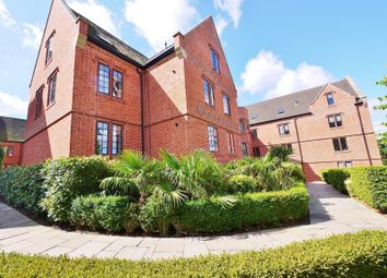 2 bed flat to rent in Rose Court, The Galleries, Brentwood CM14
