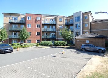 2 bed flat to rent in The Parklands, Dunstable LU5