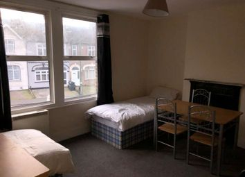 Thumbnail Room to rent in The Brent, Dartford