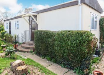 2 bed mobile/park home for sale in Avondale Park, Colden Common, Winchester SO21