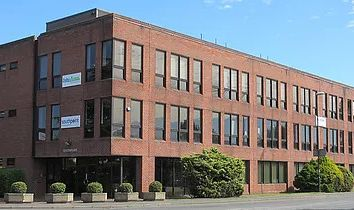 Thumbnail Serviced office to let in Old Brighton Road, Crawley