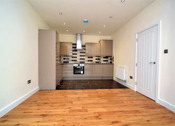 Thumbnail 2 Bed Flat To Rent In Arthur Road Melrose Avenue Wimbledon Park