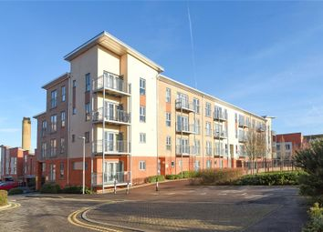 Thumbnail 2 bed flat to rent in Ashdown House, Battle Square, Reading, Berkshire