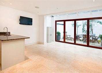 Thumbnail 4 bed property to rent in Cadogan Lane, Belgravia