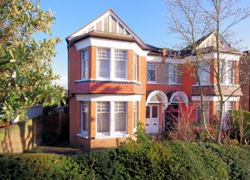 Dukes Avenue, Finchley N3. 4 bed property