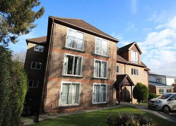Thumbnail 1 bed flat to rent in Valley Road, Kenley