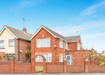 Thumbnail 4 bedroom detached house for sale in Oakley Road, Luton, Bedfordshire