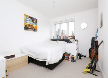 Thumbnail 4 bed flat to rent in Elizabeth Close, London