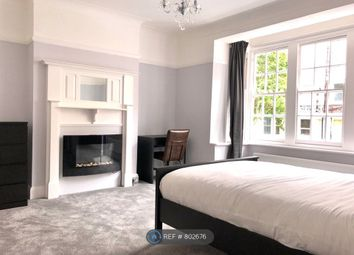 Thumbnail 4 bed flat to rent in Rochester Court, Hove