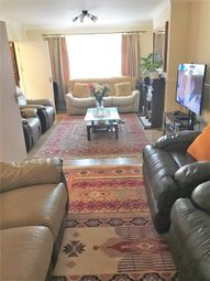 5 bed detached house to rent in Northolt, Middlesex UB5