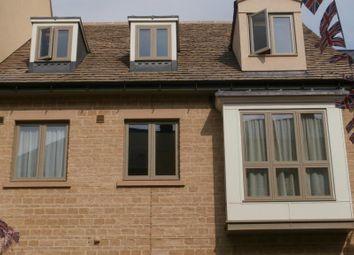 Thumbnail 2 bedroom flat to rent in Marriotts Walk, Witney, Oxon