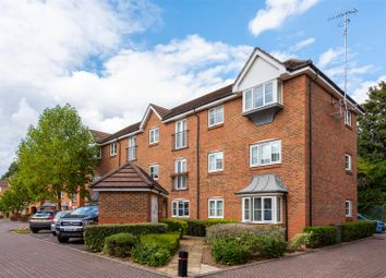 Kingsfield Way, Redhill RH1. 2 bed flat for sale