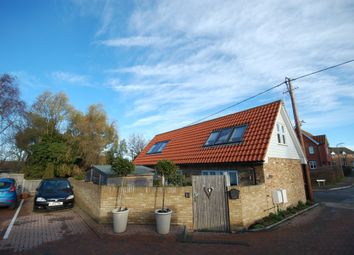 2 bed barn conversion for sale in Golden Hill, Whitstable CT5