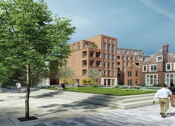 Thumbnail 1 bed flat to rent in London Square Spitalfields, London